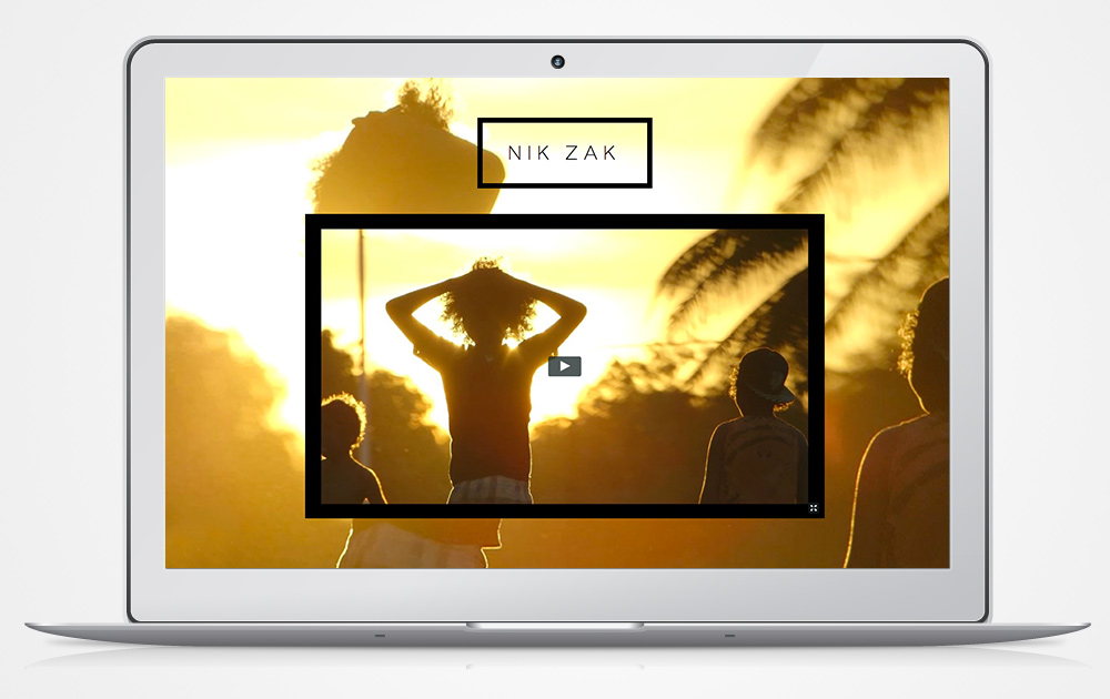 video-website-design-with-parallax-Italics-Bold